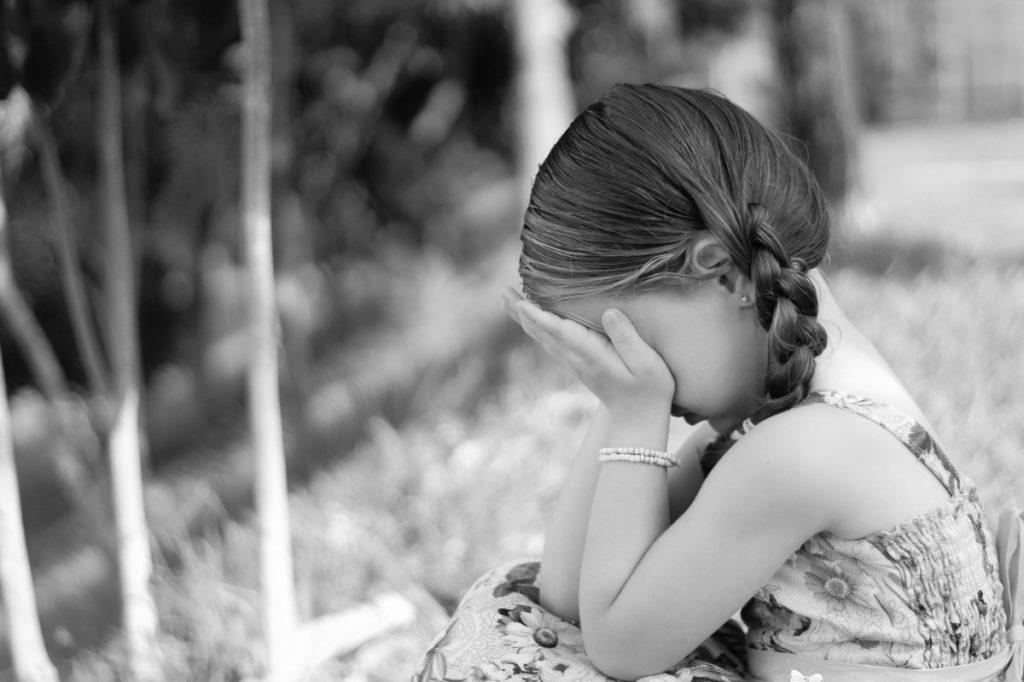 CPIU Mexico primer lugar en casos de abuso sexual infantil niña triste 1024x682 - Abuso sexual infantil: más de 150 casos por sacerdotes católicos en Denver