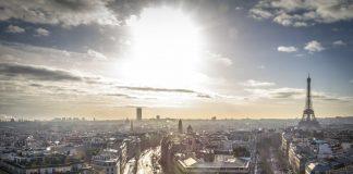 Francia declara como delito relaciones sexuales con menores de 15 años